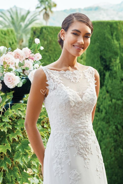 44216, Sincerity Bridal