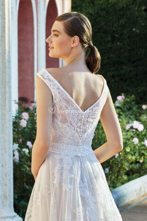 44219, Sincerity Bridal