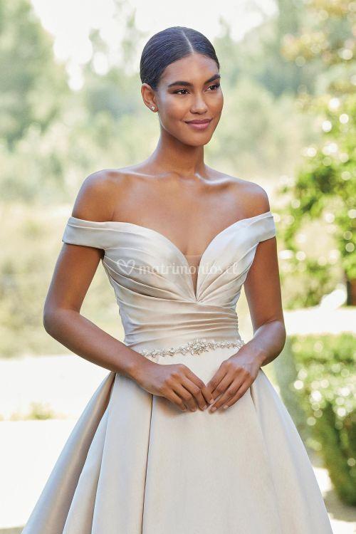 44222, Sincerity Bridal