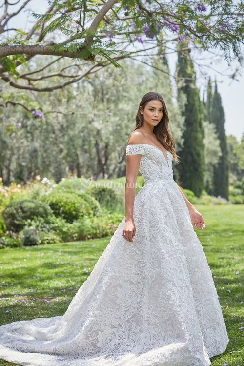 Arabella, Monique Lhuillier