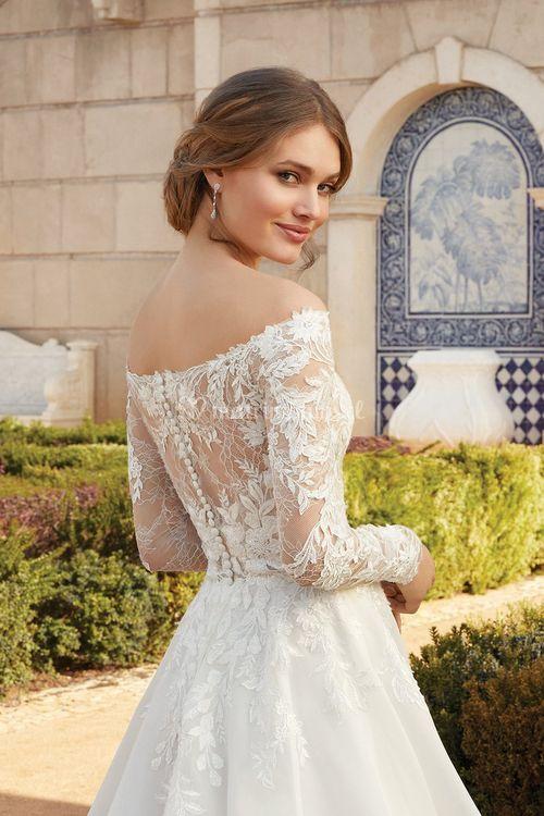 44238, Sincerity Bridal