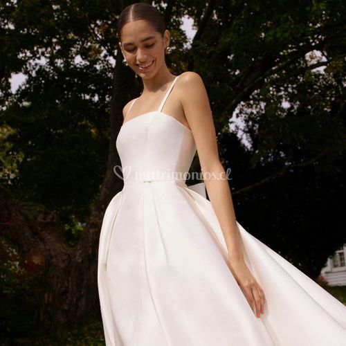 Phoebe, Carolina Herrera