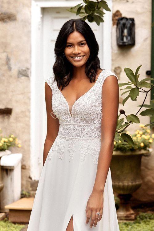 44275, Sincerity Bridal