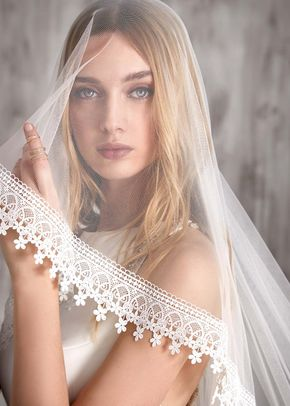 Christie Veil, Theia