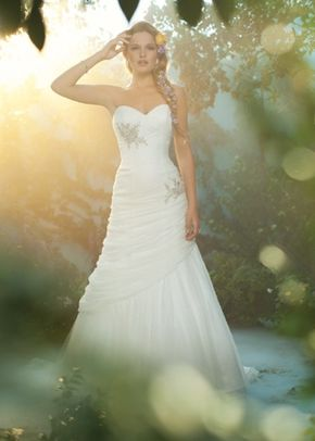Style 221, Alfred Angelo