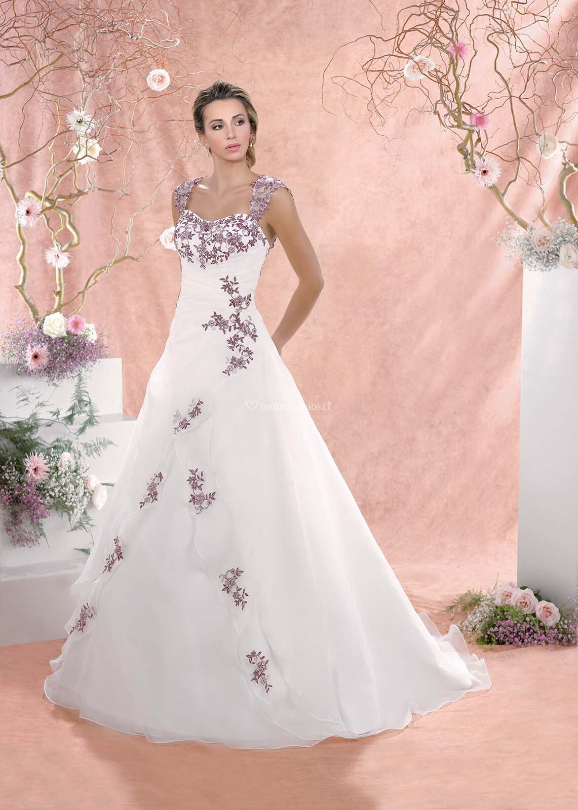 Perfecto Vestidos De Novia Millas Foto - Colección de Vestidos de ...