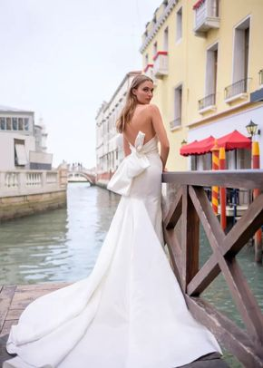 BL19201, Monique Lhuillier