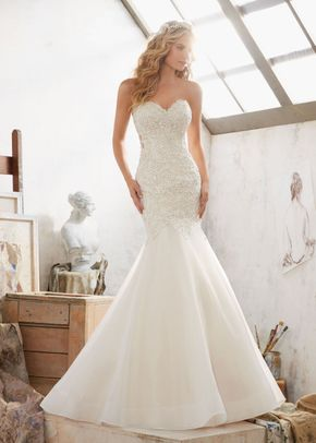Margot, Mori Lee