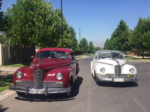 Packard rojo y blanco