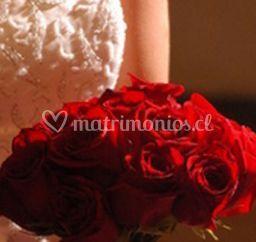 Ramo clasico de rosas rojas