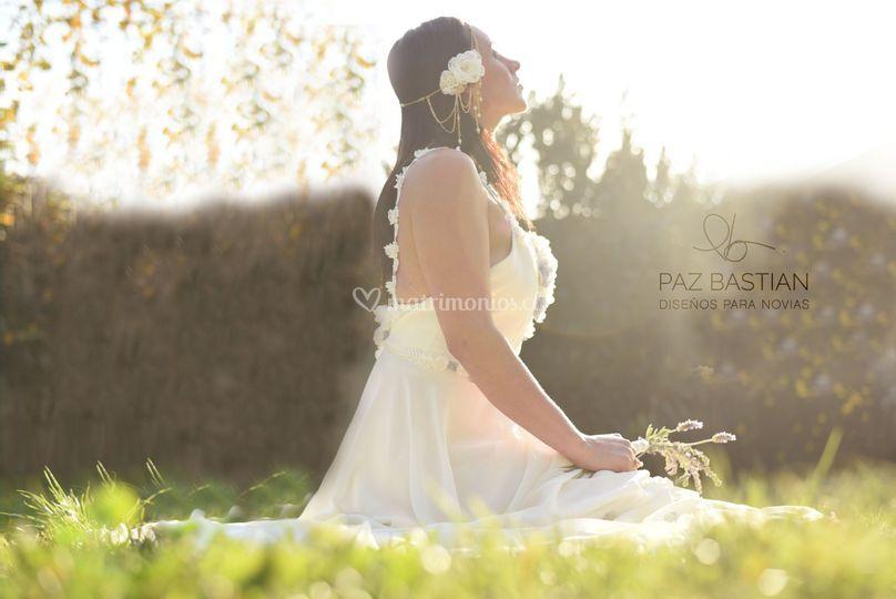 Vestido flores sentada