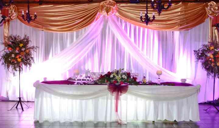 Iluminación  mesa de novios