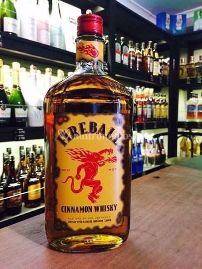 Licor de whisky y canela