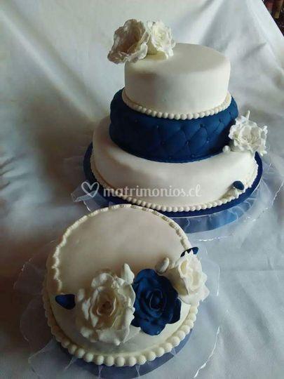 Rosas azul y blancas