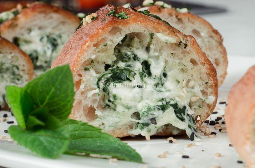 Baguette relleno con espinacas
