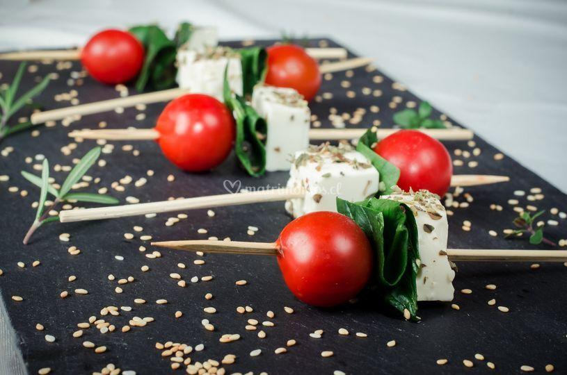 Brochetas tomates cherry