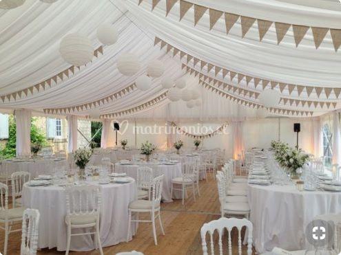 Carpa decorada con telas techo