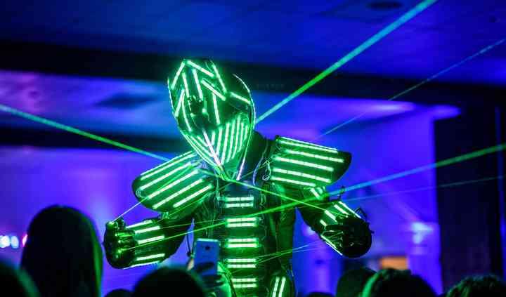 Hombre Led - Show Robot