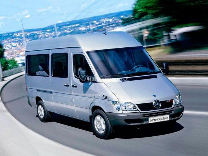 Minibus amplio