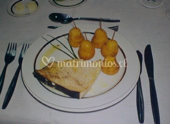 Plato a base de pescado con peras al horno