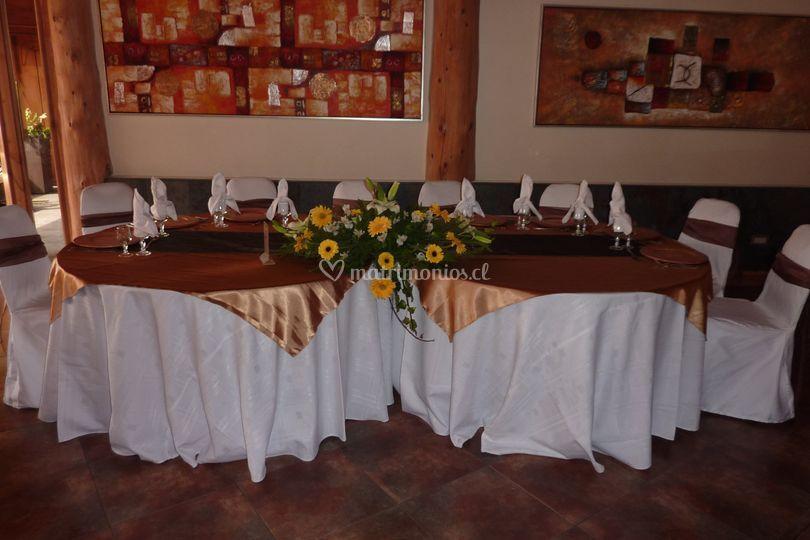 Mesa de novios salón Lican Ray