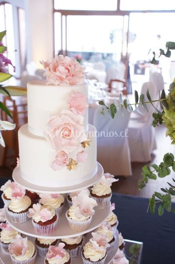 Fondant y flores de azúcar