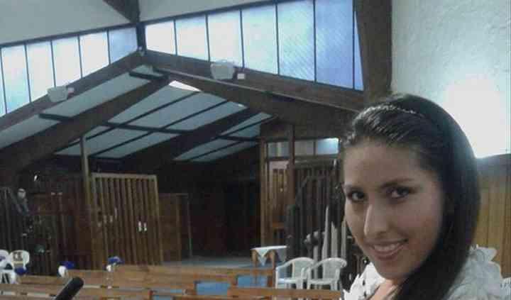 Esperando una novia en iglesia