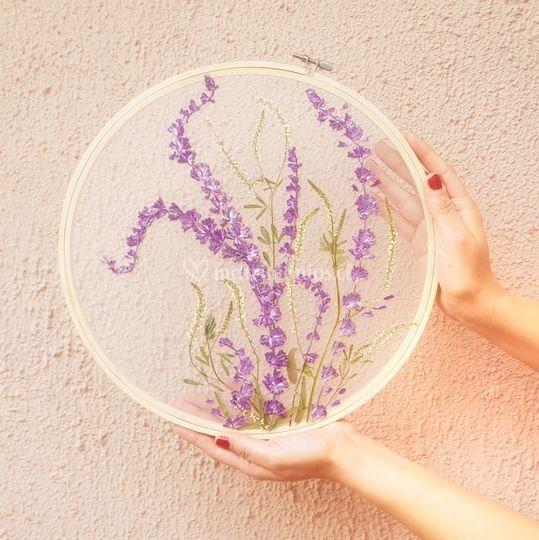 Flor en bastidor