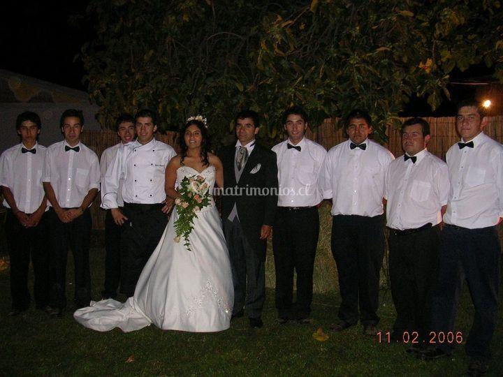La novia y el equipo de trabajo
