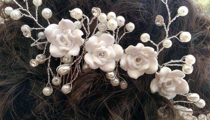 Tocado flores y perlas