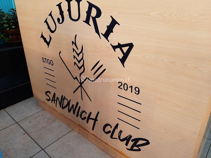 Lujuria Sándwich Club