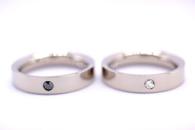 Argollas con diamante de color