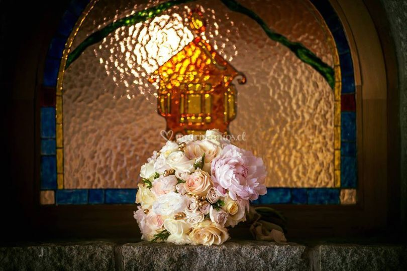 Ramos de novia y perlas dorada