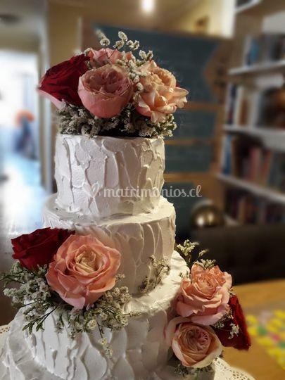 Torta 5 pisos, flores natural