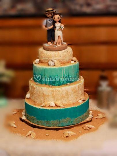 Torta con decoraciones marinas