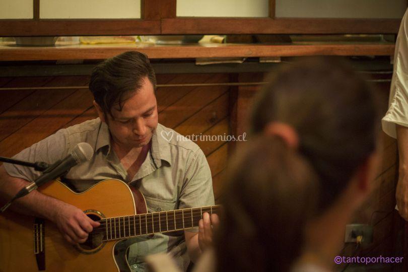 Jorge castro en guitarra