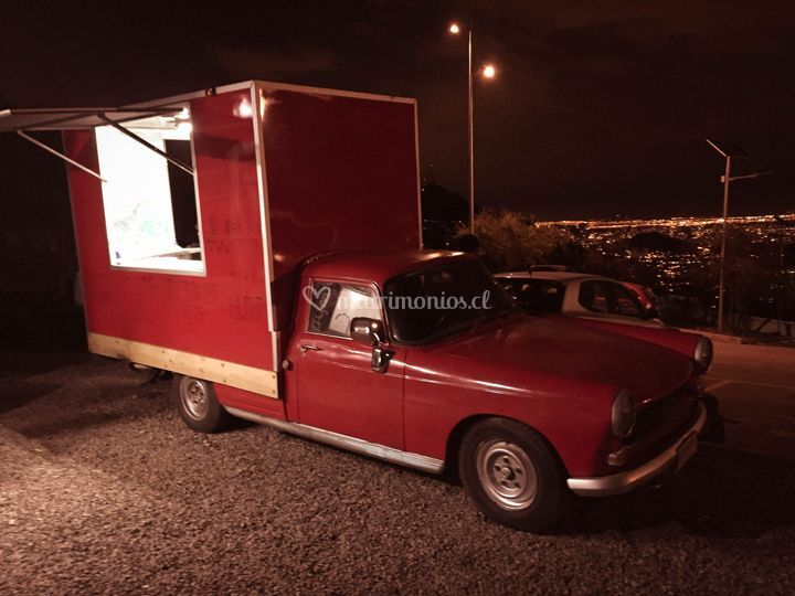 Víctor Manuel Food Truck