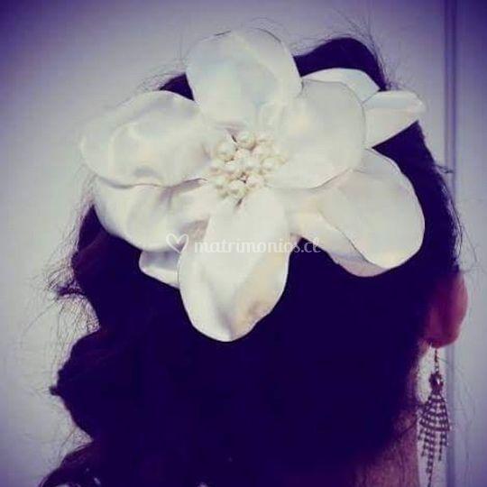 Flor grande perlas