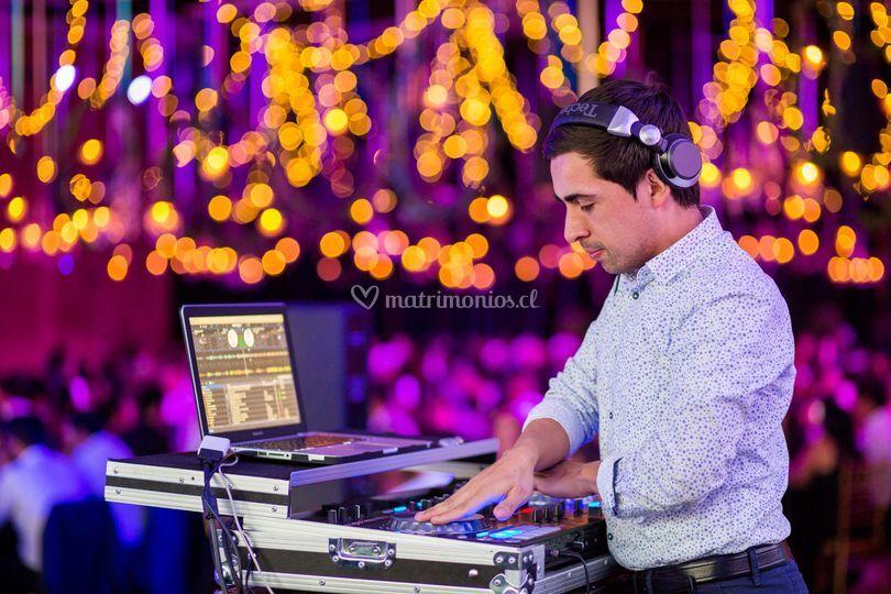 DJ Tomás