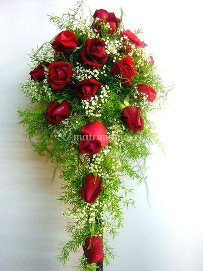 Ramo alrgado de Rosas rojas