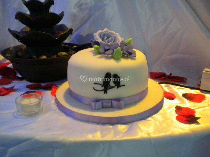 Torta novios lila y negro