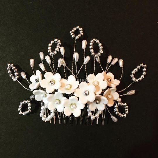 Tocado flores cerámica