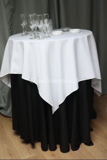 Mesa de apoyo para cocktail