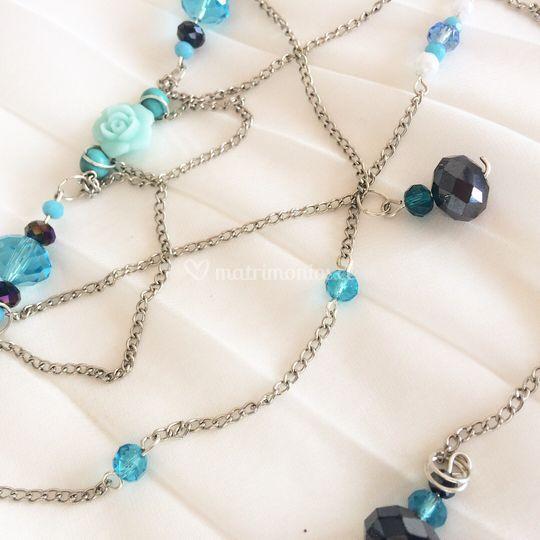 Flores, cadenas y cristales