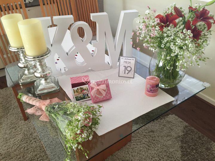 Letras, recuerdos, flores