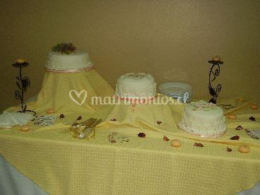 Tortas de novios decoradas con cintas de raso