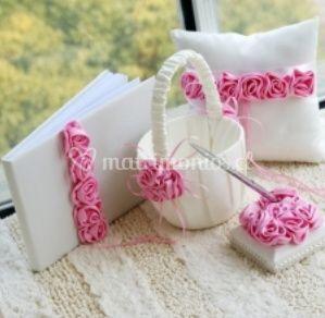 Complementos rosa y blanco