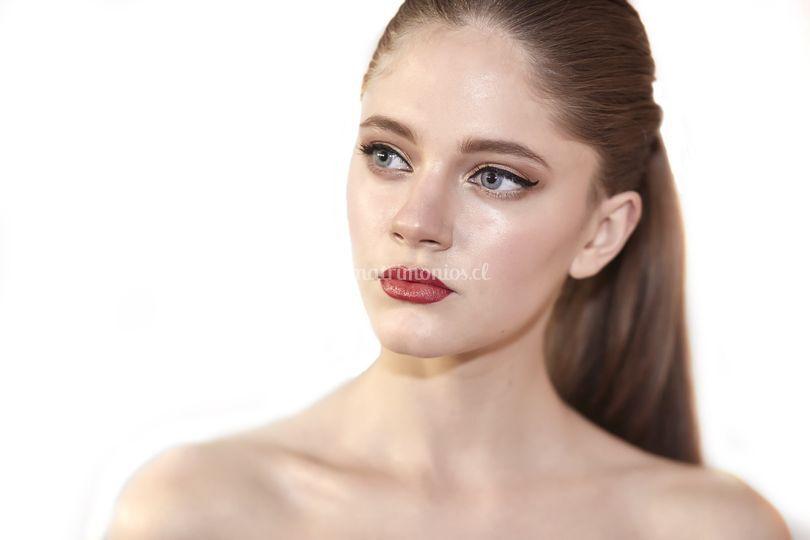 Viviana Abarca Maquillaje Apibella