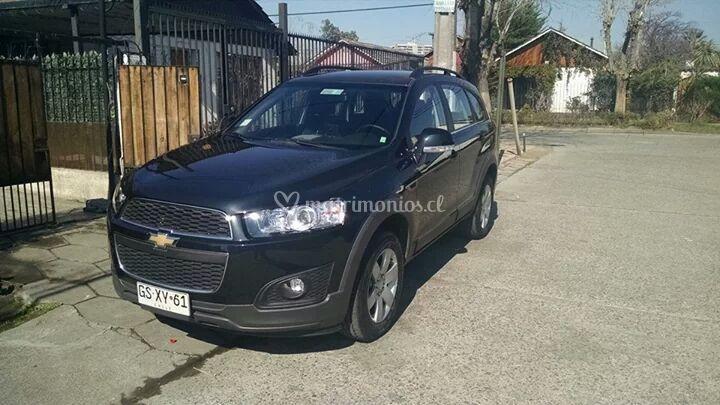 Chevrolet Captiva negra