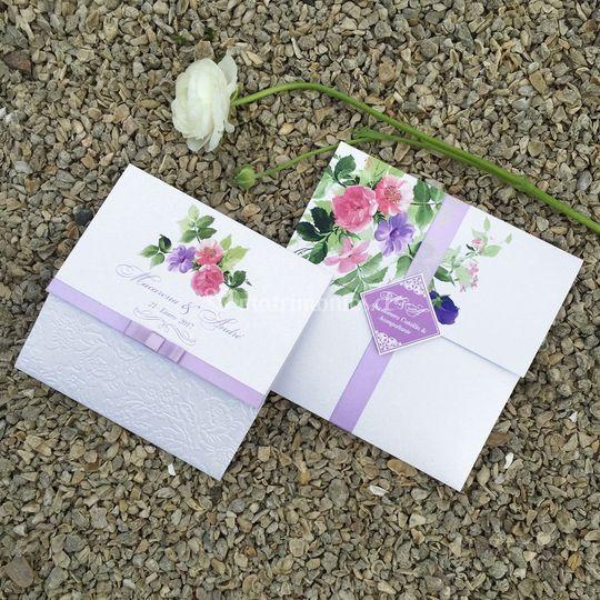 Sobre díptico, flores